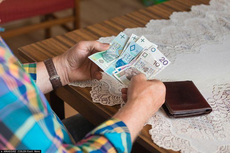 Emerytura bez podatku to obywatelski projekt, złożony jeszcze w poprzedniej kadencji Sejmu.