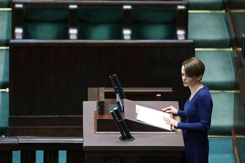 Minister rozwoju Jadwiga Emilewicz reprezentowała rząd podczas prac nad tarczą antykryzysową