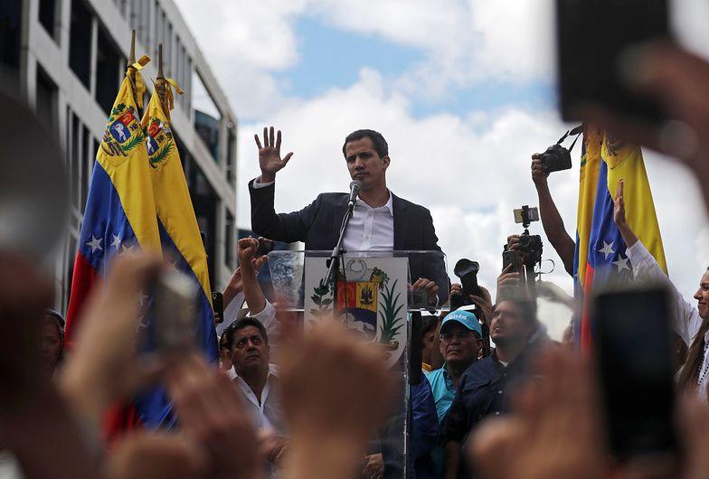Juan Guaidó na wiecu w Caracas 23 stycznia 2018 r.