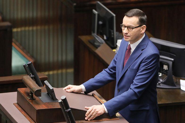 """Premier w Sejmie zaprezentował projekt ustawy dot. """"trzynastek"""" dla emerytów i rencistów"""