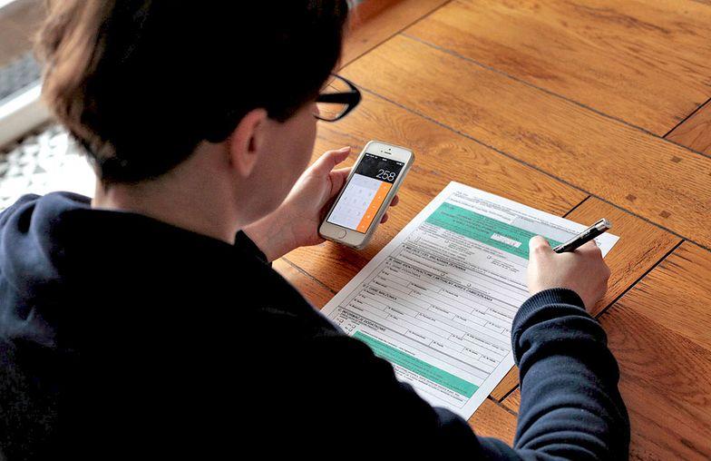 PIT: Zwolnienie z podatku do 26. roku życia nie dla wszystkich. Kto będzie musiał płacić PIT? Kiedy zmiany wejdą w życie?
