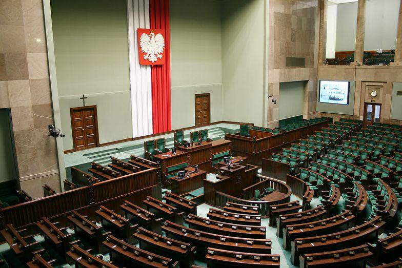 Posłowie pochylili się nad senackimi poprawkami do tarczy antykryzysowej.
