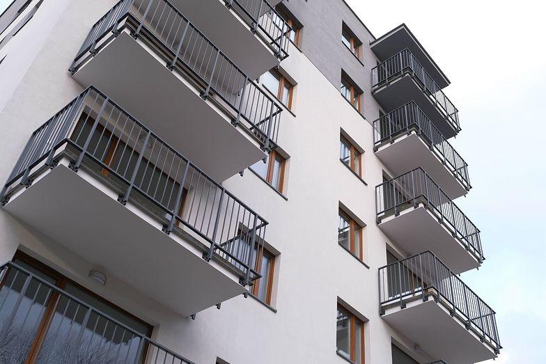 Dom Development przesuwa decyzję o wypłacie dywidendy za 2019 rok.