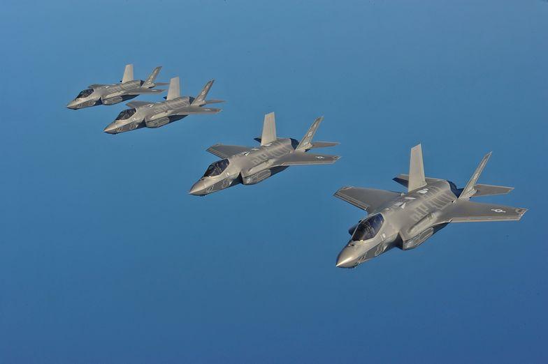 F-35 to latający komputer - mówią eksperci. Wskazują, że maszyna wymaga specjalnej infrastruktury.