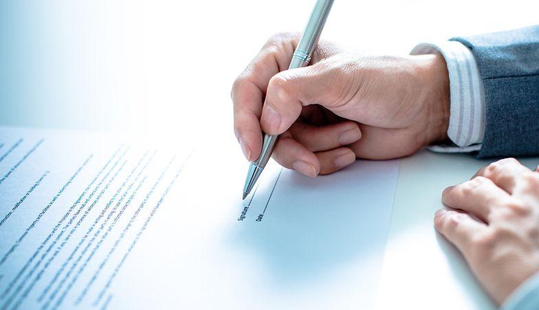 Termin zakończenia współpracy należy podać w treści wypowiedzenia umowy