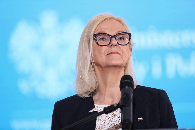 Bożena Borys-Szopa , minister rodziny, pracy i polityki społecznej
