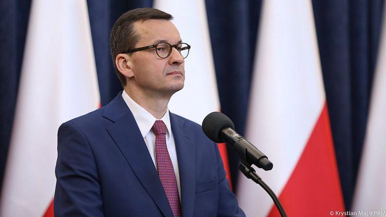 Premier Mateusz Morawiecki przedstawia założenia pakietu pomocowego na czas epidemii.