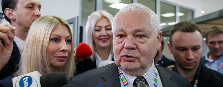Przecieki o zarobkach współpracowniczek prezesa NBP Adama Glapińskiego zelektryzowały opinię publiczną.