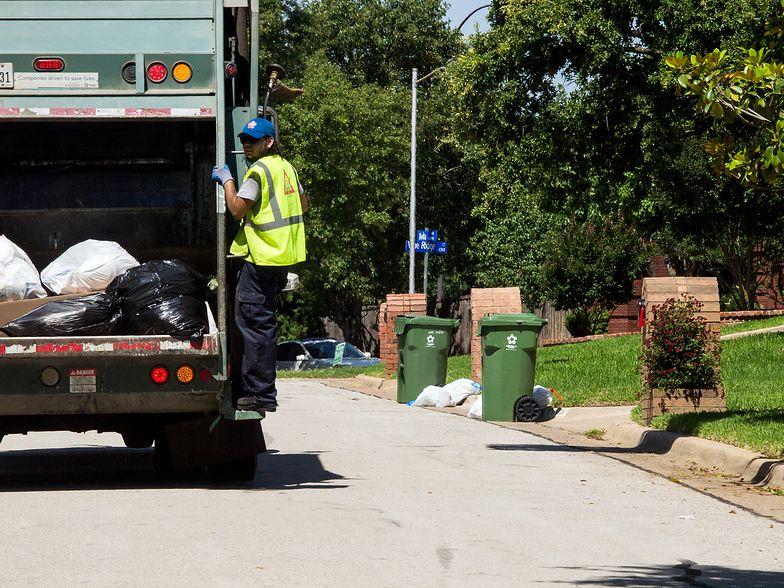 Firmy zapłacą mniej za wywóz śmieci, mieszkańcy więcej