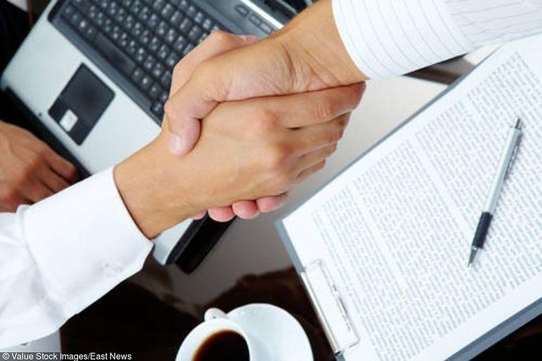 Ofertę handlową często składa się w formie elektronicznej, ale może też być składana tradycyjnie