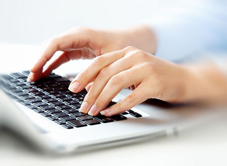 E-wydania mogą być monitorowane przy użyciu prostych narzędzi do analizy stron internetowych i tych, które służą do badania wyświetleń gazetek w aplikacjach mobilnych.