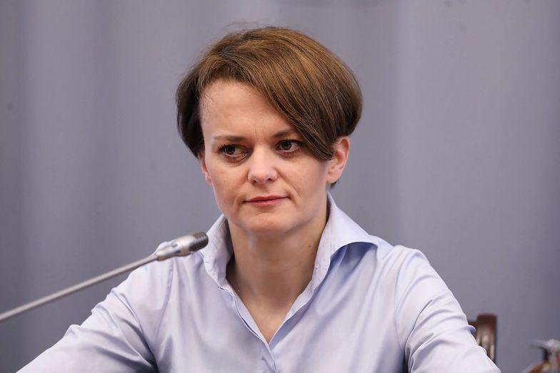 Jadwiga Emilewicz przedstawiła możliwe scenariusze wpływu koronawirusa na naszą gospodarkę