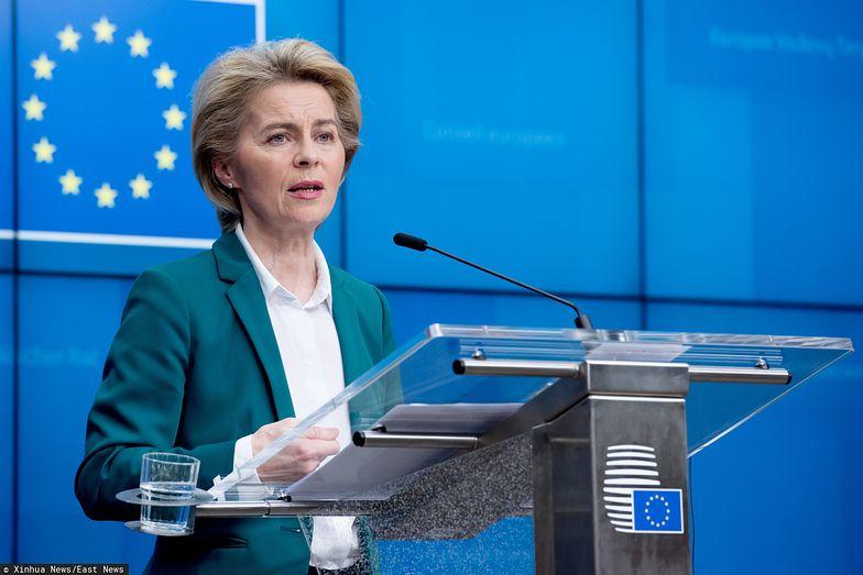 Kraje członkowskie poparły decyzje Komisji Europejskiej w sprawie przesunięcia 37 mld euro na walkę z wirusem. Na zdjęciu Ursula von der Leyen, szefowa KE