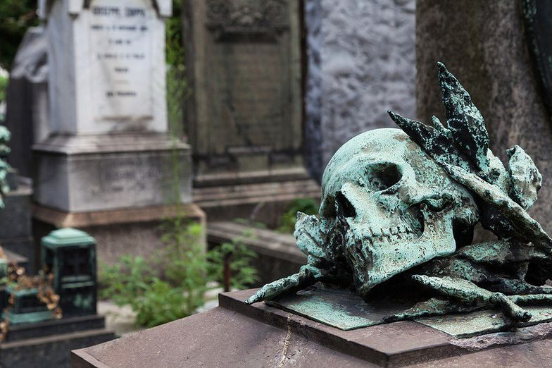 Zbyt wysokie ceny na archidiecezjalnym cmentarzu wywoływały protesty mieszkańców Brzezin.