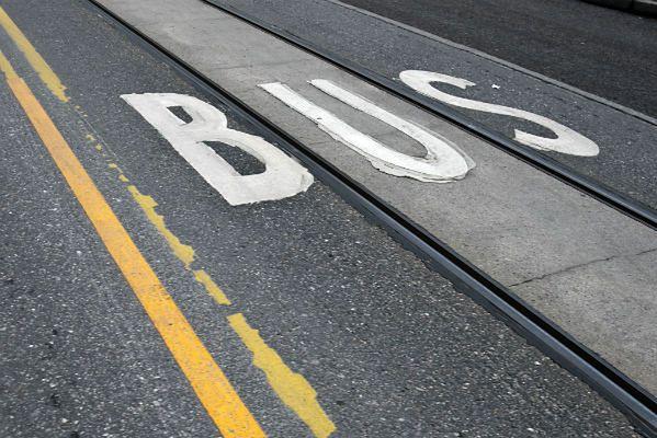 Przewóz osób nie jest równoznaczny z usługami taksówkarskimi