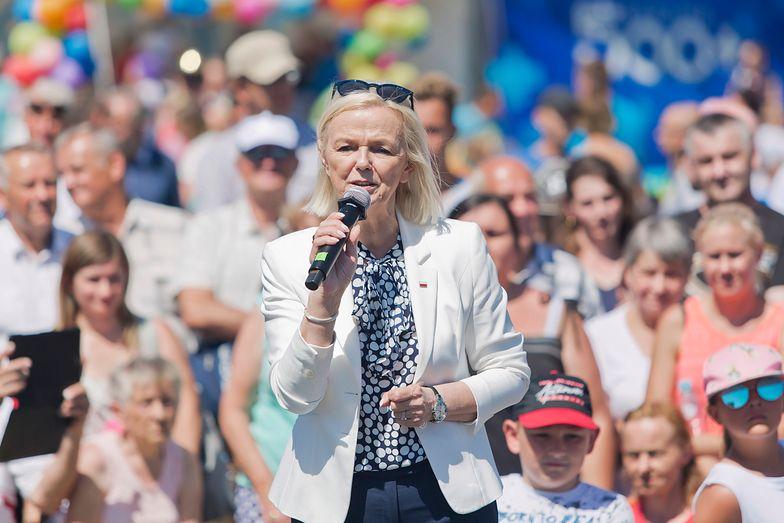 Bożena Borys-Szopa, minister rodziny, pracy i polityki społecznej.