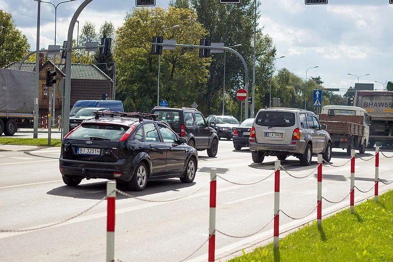 Wypadek w drodze do pracy różni się od wypadku przy pracy