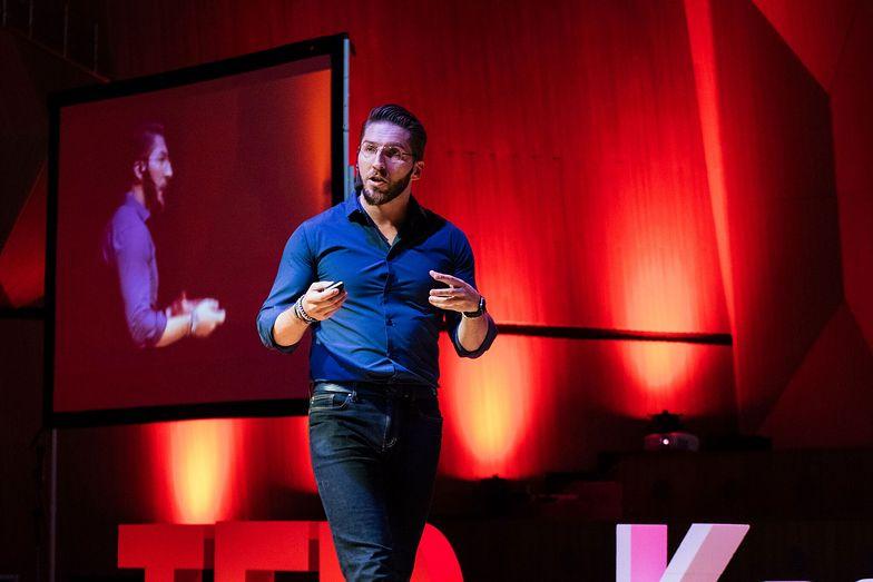 Marek Zmysłowski o prowadzeniu biznesu w Afryce opowiadał m.in. podczas konferencji TED
