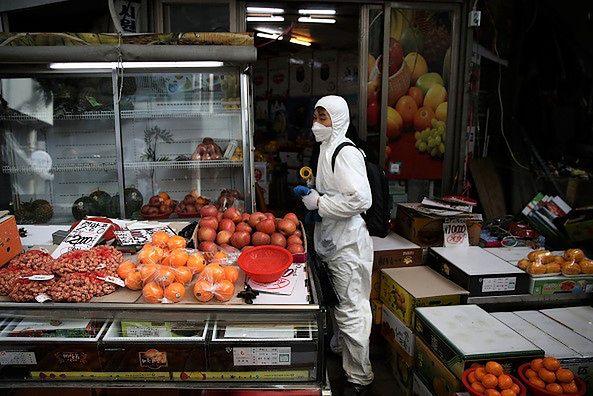 Koronawirus zmienia ceny i miesza w gospodarce całego świata.