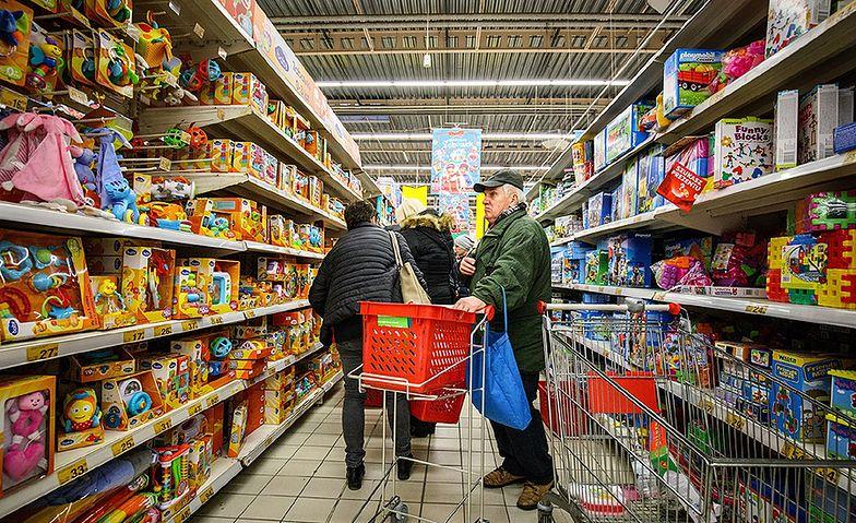 Polacy chcą kupować w niedziele.