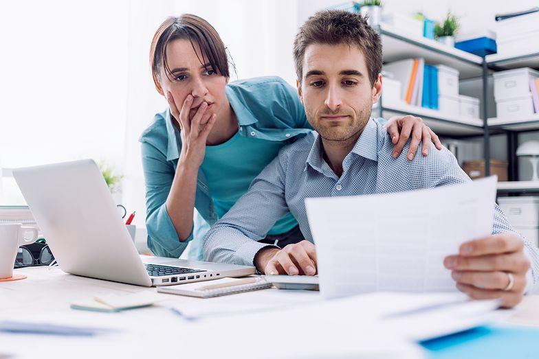 W reklamacji należy opisać zaistniałą sytuację z uwzględnieniem kluczowych informacji, a także załączyć dokumentację taką jak paragon