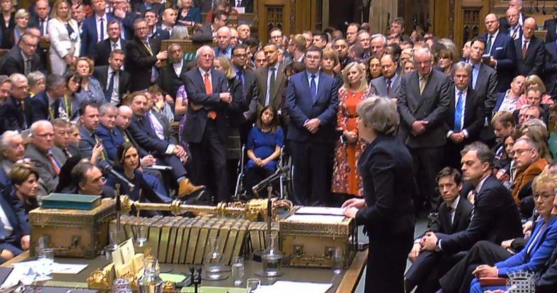 Theresa May będzie musiała przedstawić plany dotyczące następnych kroków.