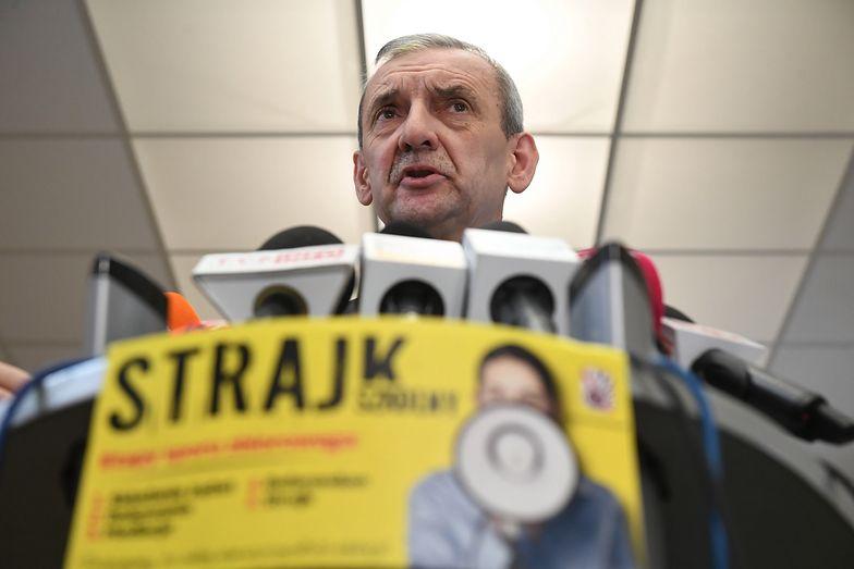 Warszawa, 08.02.2019. Prezes ZNP Sławomir Broniarz podczas konferencji prasowej o strajku.