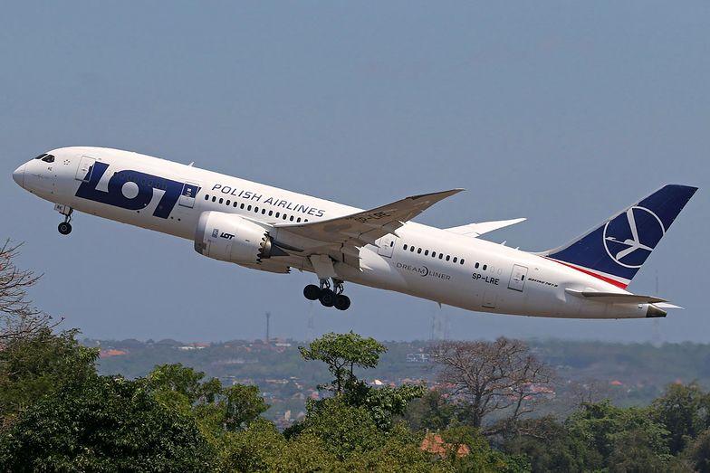 Cztery boeingi 787 nie latają z powodu przedłużających się napraw silników Rolls-Royce'a.