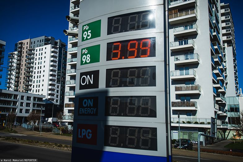 Ceny paliw na niektórych stacjach spadły poniżej 4 zł. Ruchu i tak nie ma.