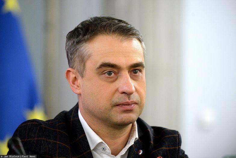 """Krzysztof Gawkowski zdradza kuluarową rozmowę polityków PiS. Mówili o """"wycofaniu się 500+"""""""