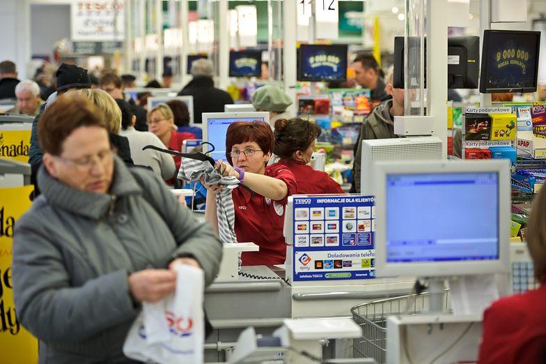 W sklepach stacjonarnych będą wdrażane udoskonalane stanowiska samoobsługowe