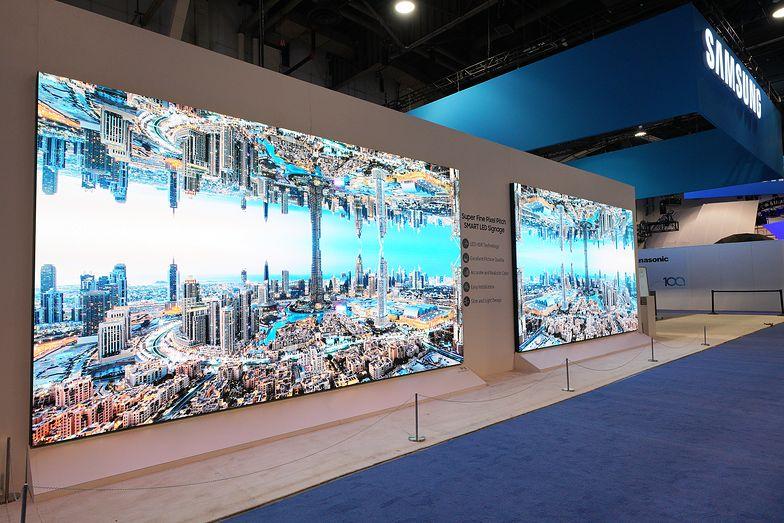Z badań wynika, że ekrany digital signage mogą wpłynąć na zmianę decyzji zakupowych nawet w połowie przypadków