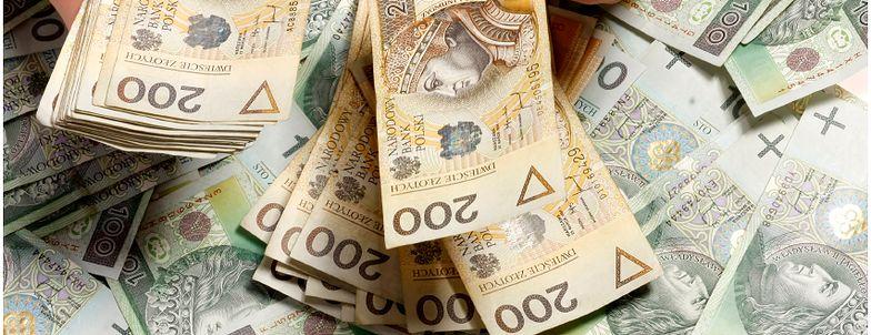 Nie 15 tys a 8 tys. zł miałby wynosić limit płatności gotówkowych.