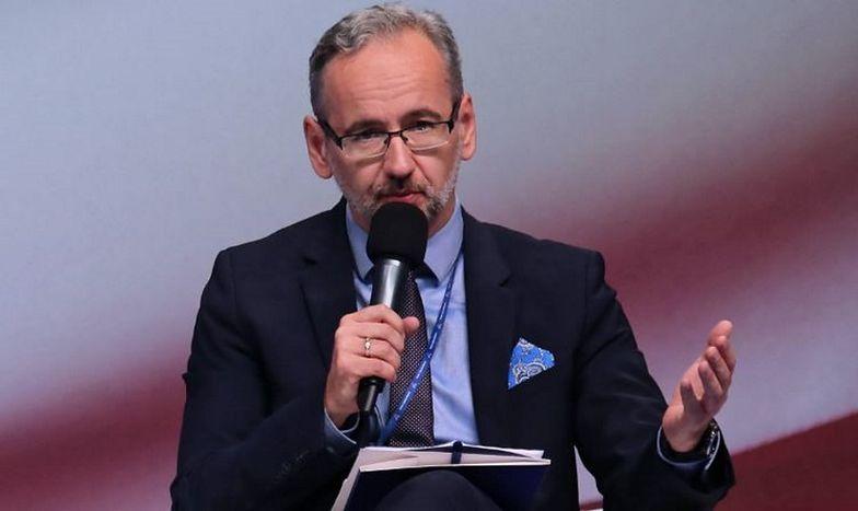 P.o. prezesa NFZ będzie Adam Niedzielski - poinformowało Ministerstwo Zdrowia