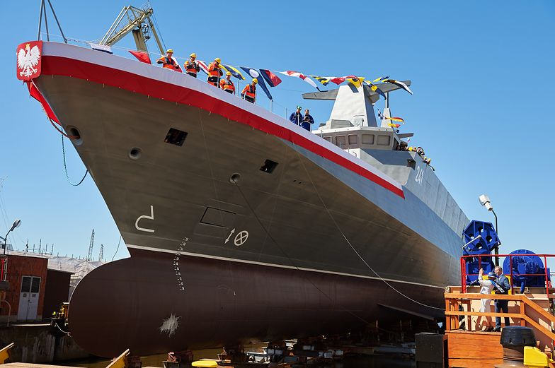"""ORP """"Ślązak""""miał zwiększyć siłę ognia polskiej marynarki, ale zabrakło pieniędzy i będzie patrolował Bałtyk."""