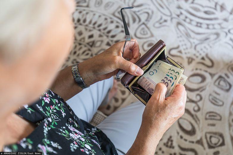 Rząd przyjął projekt ustawy ws. czternastych emerytur