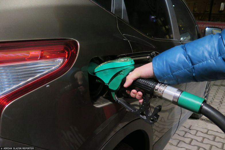 Nadchodzą obniżki cen paliw