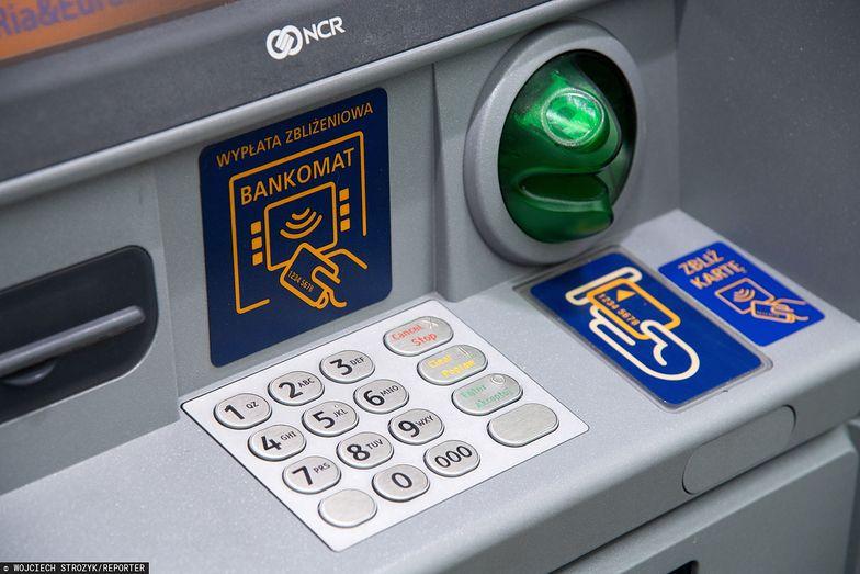 Nowy podatek. Banki mogą przerzucić koszty na klientów