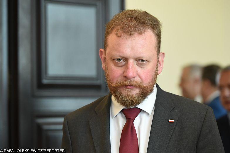 Minister Łukasz Szumowski spotkał się z protestującymi.
