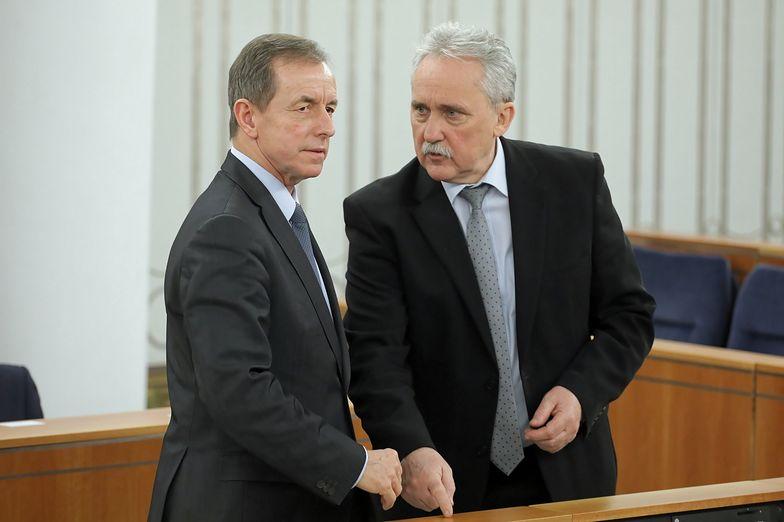 Leszek Czarnobaj (z prawej) i marszałek Tomasz Grodzki.