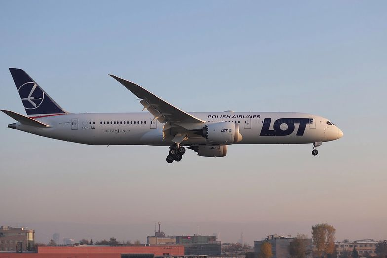 Nowy samolot Boeing 787-9 wylądował właśnie na Okęciu. To już 15. Dreamliner we flocie PLL LOT