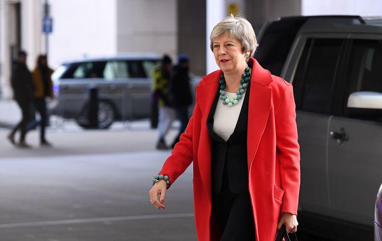 Theresa May w drodze do studia BBC w niedzielę 6 stycznia.