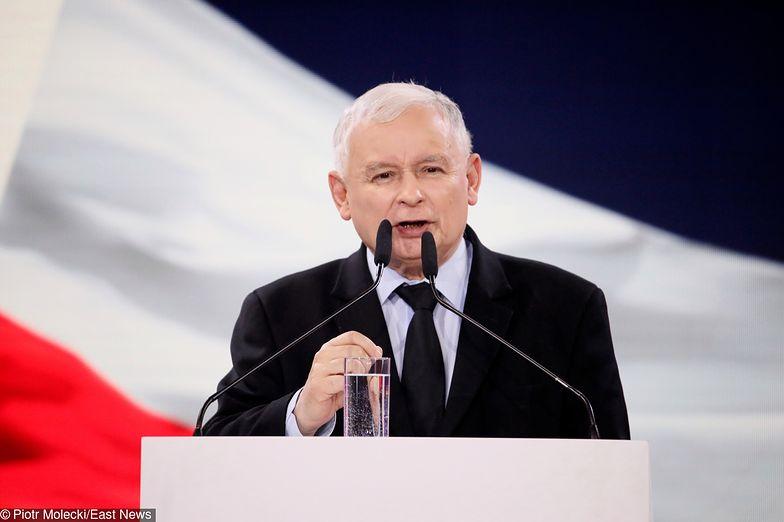 Na konwencji PiS Jarosław Kaczyński ogłosił prawdziwą przedwyborczą niespodziankę - nie mówił o Parlamencie Europejskim, wyliczał kolejne obietnice