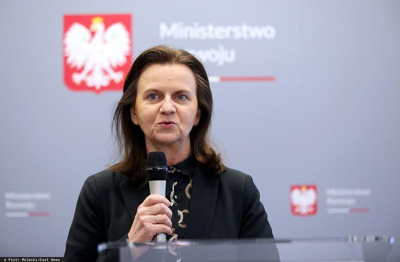 Prof. Gertruda Uścińska, prezes ZUS, zapewnia, że pieniądze są wypłacane na bieżąco