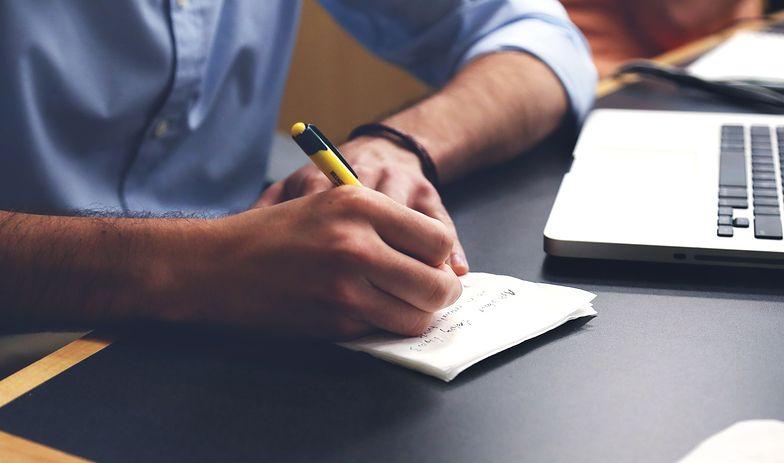 Jeśli w świadectwie pracy pojawią się błędy, konieczne będzie wydanie sprostowanego dokumentu