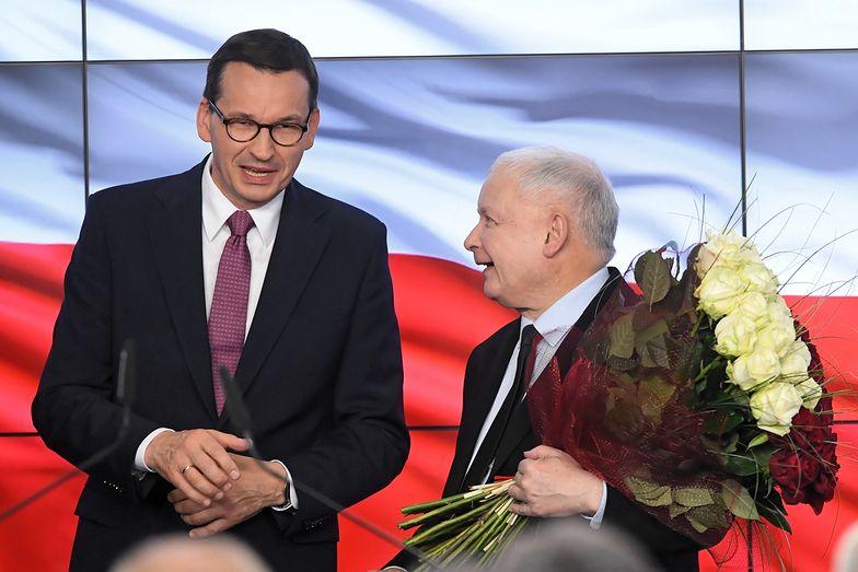 PiS zdecydowanie wygrał wybory parlamentarne.
