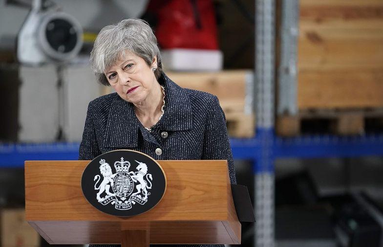 Na nic zdały się groźby May skierowane do przeciwników umowy. Brytyjscy politycy wybrali dalszą niepewność.