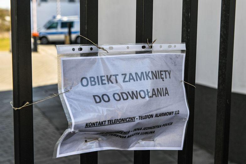 Koronawirus w Polsce. Firmy lawinowo zawieszają działalność, by uniknąć składek i podatków