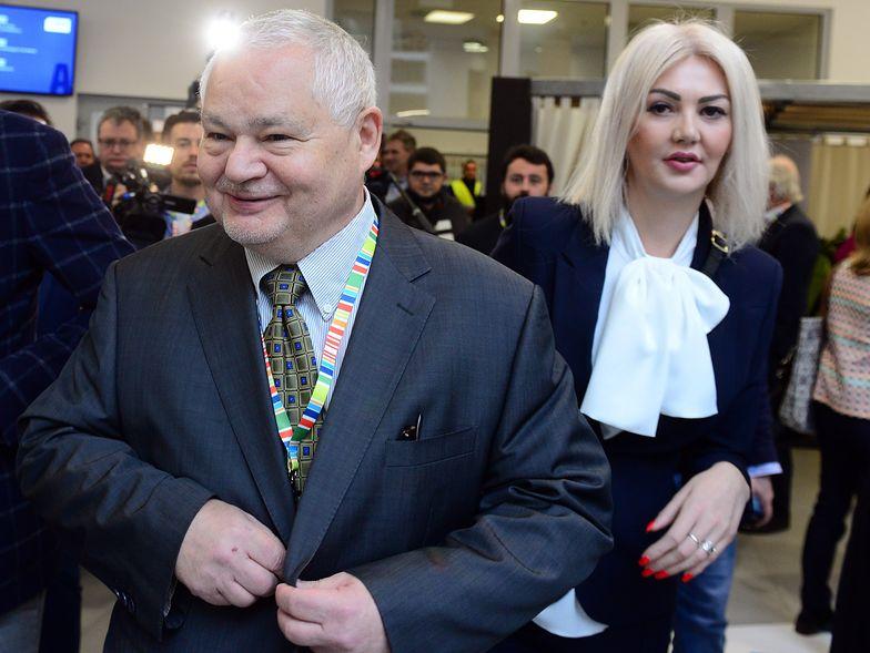 Szokujące zarobki w NBP rusycystki i byłej radnej PiS to tylko wierzchołek góry lodowej.