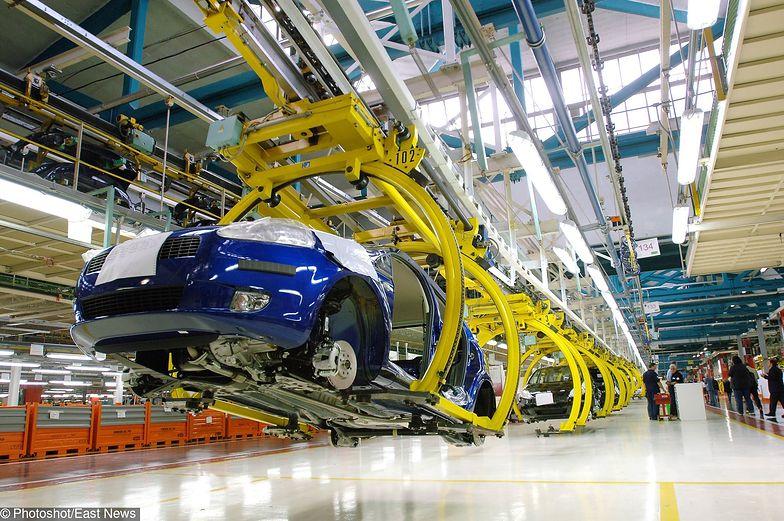 Montowany we Włoszech Fiat Mirafiori będzie teraz w jednej przemysłowej rodzinie z Oplem, Peugeotem i Citroënem